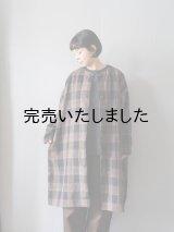 jujudhau(ズーズーダウ) ROUND NECK COAT-ラウンドネックコート-TARTAN BROWN